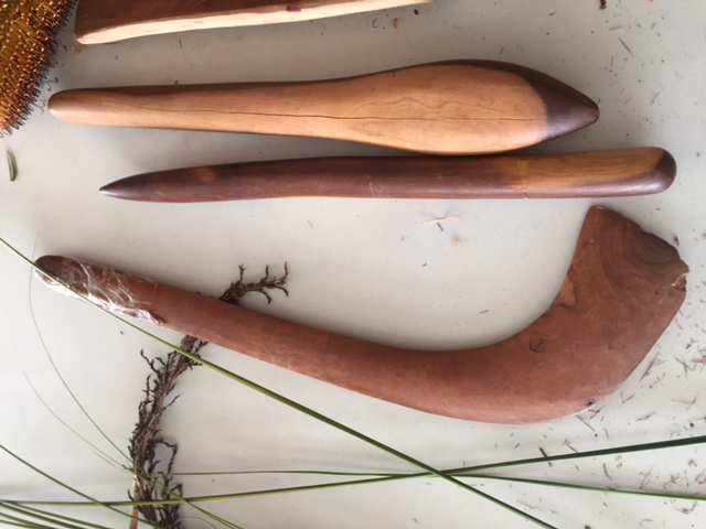 boomerang, digging stick, nulla bulla